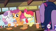 S04E15 Apple Bloom zwraca uwagę Scootaloo