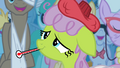 Sick pony cheering up S4E20.png