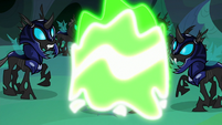Thorax's Starlight disguise is forcibly removed S6E26