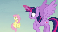 Twilight --what in Equestria is happening--- S5E23