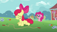 Apple Bloom sad from failing jump rope S2E18