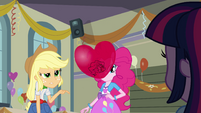 Applejack trusts Rainbow Dash even less than Sunset EG