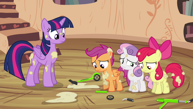 File:CMC apologizing to Twilight S4E15.png