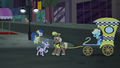 """Elderly mare """"I'm trotting here!"""" S5E16.png"""