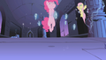 Pinkie Pie floating S01E02.png