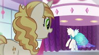 Pony sees dress S5E14