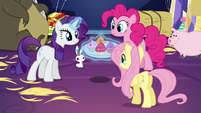 Rarity, Pinkie, and Fluttershy with jewel cupcakes S5E3