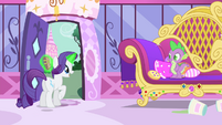Rarity -with the most fantastic theater he's ever imagined!- S4E23