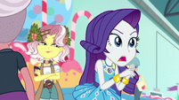 Rarity hurrying her parade assistants EGROF
