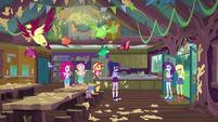 Applejack and Rarity enter the mess hall EG4