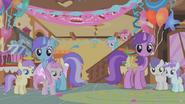 Ponies look aghast
