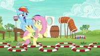 Rainbow Dash harshly coaching Fluttershy S6E18