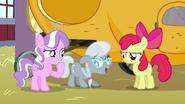 S03E04 Apple Bloom zdenerwowana przez koleżanki