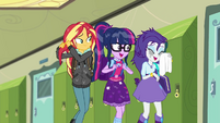 Sunset, Twilight, and Rarity walk together SS6