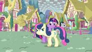 Twilight nearly bumps into Sweetie Drops S03E13