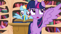 Twilight opens her left wing S4E21