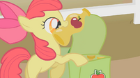Apple Bloom with bottles S1E07