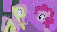 Fluttershy sees Pinkie S4E14