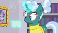 Librarian Pony looking surprised S9E5