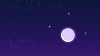 Lua sobre o Império do Cristal EG