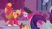 Pinkie Pie painting Big Mac S3E5