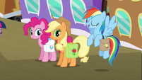 Rainbow Dash -of course they're excited- S03E12
