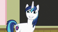 Shining Armor grinning nervously S7E3