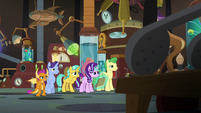 Starlight and students look at time machine S9E20