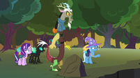 Trixie pointing toward the changeling hive S6E25