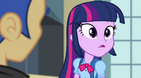 Twilight looks over at the Dazzlings EG2