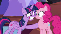 Twilight nervous smile -Everything's gonna be fine!- S5E11