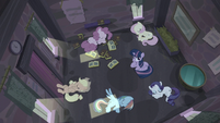 Twilight thinking while others are asleep S5E02