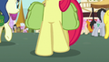 Beginning shot of Apple Bloom's hooves S7E13.png