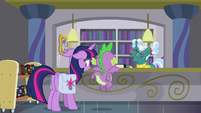 """Librarian Pony """"no problem at all"""" S9E5"""