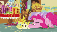 Pinkie Pie pushing against the Cake twins S7E19