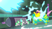 Saddle Rager unaffected by blast S4E06