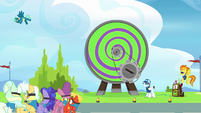 Sky Stinger gets launched from the Dizzitron S6E24