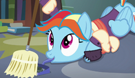 Snowdash sweeps with dustpan in her mouth S6E8