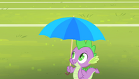 Spike with an umbrella S4E24