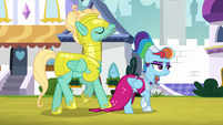 Zephyr steps on Rainbow's dress train S9E4
