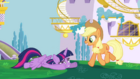Applejack approaching Twilight to help S4E1