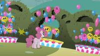 Balloons popping S2E01
