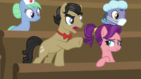 Filthy Rich --what is goin' on here, Applejack-!-- S6E23