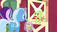 "Granny Smith ""I ain't seen it"" S7E2"