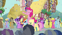 Pinkie Pie --come on, everypony-- S2E18