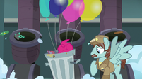 Pinkie Pie rooting around in the trash S7E23