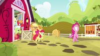 Pinkie Pie super excited S4E09