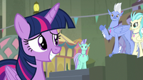 Sky Beak invites Twilight to flag-folding S8E6