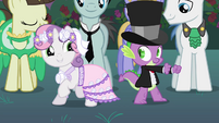 Spike and Sweetie Belle partying S2E26