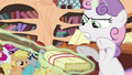 """Sweetie Belle commands broom to """"rise!"""" S4E15.png"""